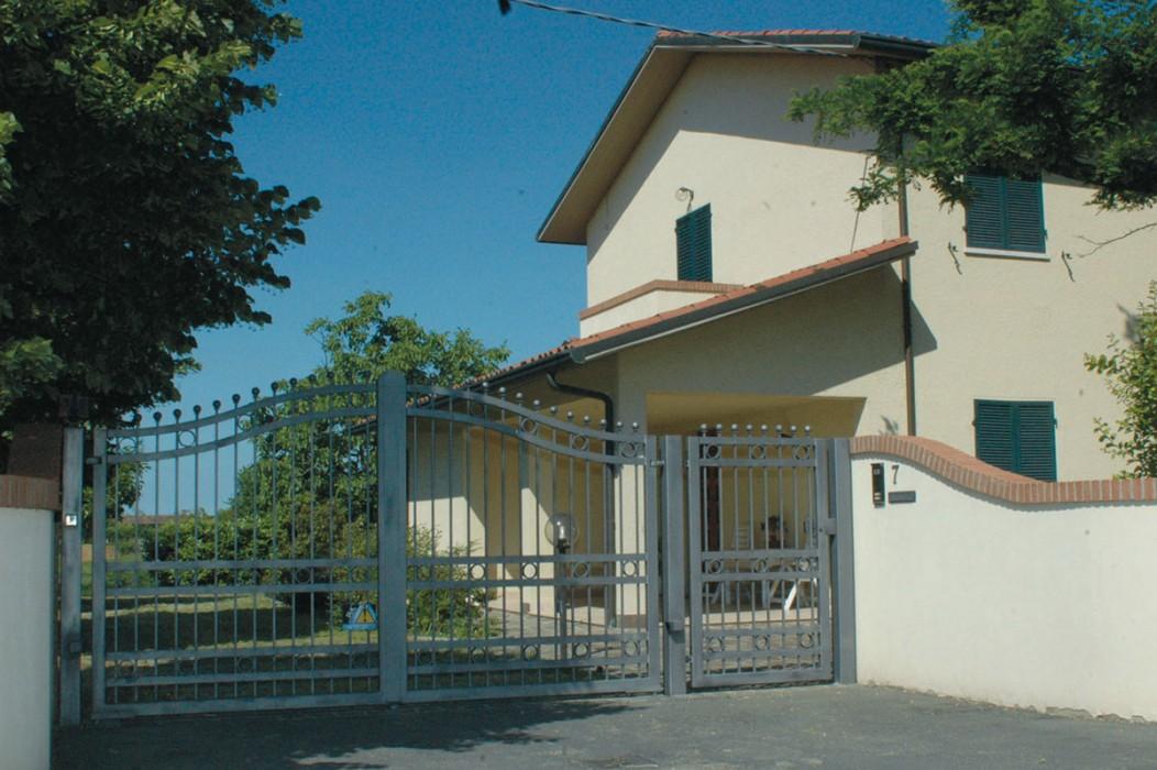 Prodotti fantinelli serramenti per la casa porte - Cancelli in ferro per porte finestre ...